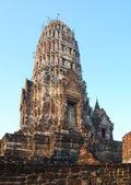 Main prang of the ancient Wat Ratchaburana. — Stock Photo