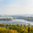 Comfortable piers and green islands of Dniper in Kyiv. — Stock Photo #42954361