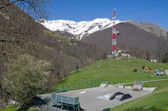 Mountain town in the spring Pyrenees — Stockfoto