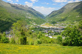 French mountain town Luz-Saint-Sauveur — Stock Photo