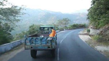 Mountain winding road. Mysore. India — Stock Video