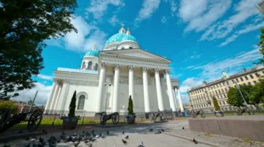 Trinity Izmailovsky Cathedral. St. Petersburg. Russia. timelapse — Stock Video