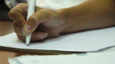 Female hand writing pen — Stock Video