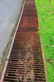 Zanjas de drenaje en carretera — Foto de Stock