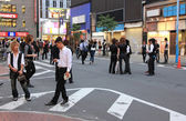 Male hosts looking for clients in Kabukicho, Japan — Stock Photo