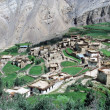 A Tibetan village in the Spiti valley, India with Himalaya landscape — Stock Photo