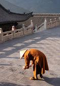 Buddhist Monk At Nanshan Temple, Wutaishan Prainting Caligraphy — Stock Photo