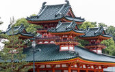 Traditional Japanese architecture at Heian Jingu shrine in Kyoto — Stock Photo