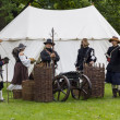 History fans dressed as 17th century mercenary soldiers — Foto de stock #39833399