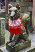 Statua di kitsune, sacrario scintoista, Giappone — Foto Stock
