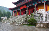 Entrance to a buddhist temple in Jiuhuashan, china — Stock Photo