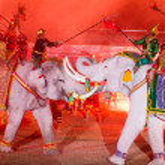 Ayutthaya Ligth & Sound Presentation and Thai historical acting — Stock Photo