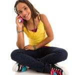 flicka talar i mobiltelefon — Stockfoto