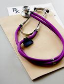 Closeup stetoskop na rx recept — Stock fotografie