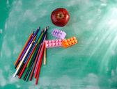 Red apple, pencils, construction set — Foto de Stock
