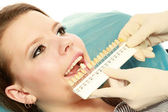 Examining patient's teeth — Foto Stock