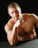 Mięśni młody człowiek — Zdjęcie stockowe