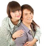 молодые счастливый улыбающийся пара — Стоковое фото