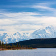 Mt. mckinley, tiré de l'étonnant Lac — Photo