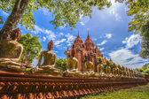 Patten av buddha väggen med tre förgrunden och kapell i thailand — Stockfoto