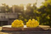 Mango fruit outdoors — Zdjęcie stockowe