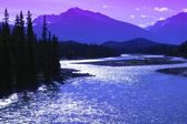 Mountains And A River Jasper National Park Alberta — Stock Photo
