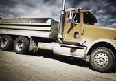 Side View Of Dump Truck — Stock Photo