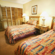 A Bedroom With Twin Beds — Stock Photo