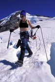 Woman Mountaineering — Stock Photo