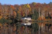Lakeside House In The Fall — Stock Photo