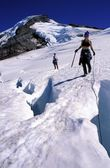 Man And Woman Mountaineering — Stock Photo