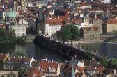 Vista aérea de charles puente, praga, república checa — Foto de Stock
