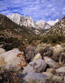 Mount whitney, gama de sierra nevada, sierra nevada, california, estados unidos — Foto de Stock