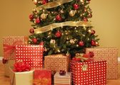 Christmas Tree With Presents Underneath — Stock Photo