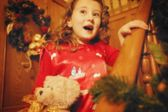 Child Comes Down The Stairs On Christmas Morning — Fotografia Stock