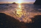 Sunset Over Waves, Yaquina Beach, Pacific Coast — Stock Photo