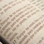 John 3:16 In Spanish Bible — Stock fotografie
