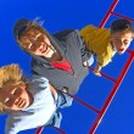 Kids Hang Upside Down — Stock Photo