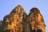 Stone Heads On Gate Angkor Thom, Siem Reap Cambodia — Stock Photo
