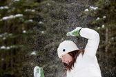 Spielen im schnee — Stockfoto
