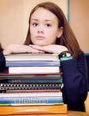 öğrenci ders kitapları ile — Stok fotoğraf