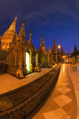 Pagoda shwedagon, a notte, yangon, myanmar — Foto Stock
