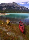 Kayaks On The Shore — Stock Photo