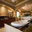 Luxurious Bathroom — Stockfoto #31752971