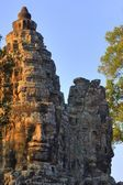 Stone Heads On Gate, Angkor Thom, Siem Reap, Cambodia — Stock Photo