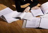 Studiando i libri — Foto Stock