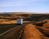 An Rv Travelling Down The Hiway — Stock Photo