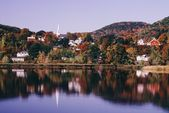 New England Town Of Barnet Reflected In Water, Vermont, Usa — Stock Photo