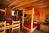 Bunk Beds In A Rustic Interior — Stock Photo