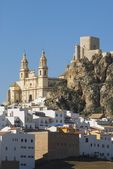 Church And 12Th Century Moorish Castle In Cádiz, Spain — Stock Photo
